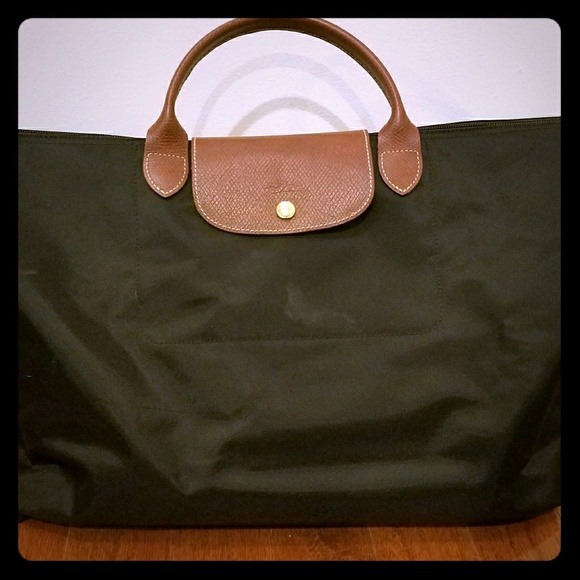 Longchamp Bags   Le Pliage Nylon Weekender   Poshmark 2d57843b41